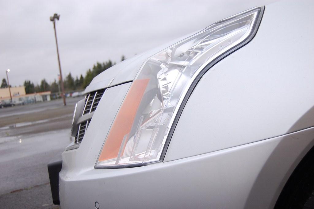 Adjustment Screws On 2011 Cadillac Srx Headlights