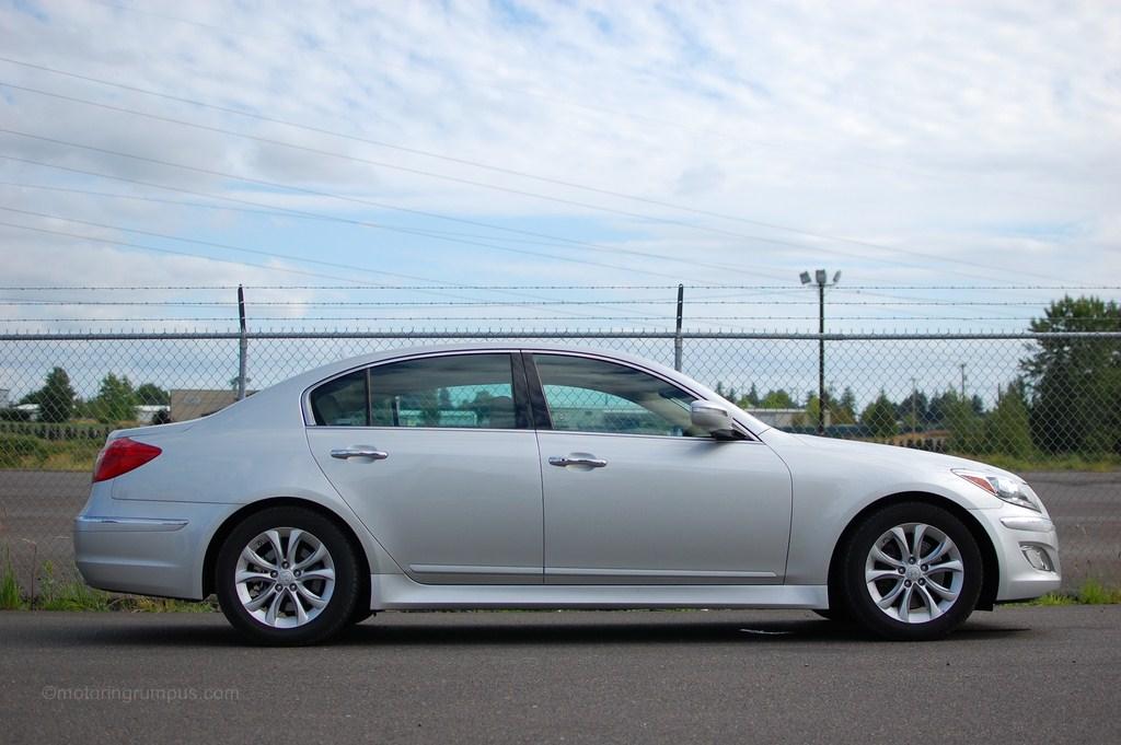2012 Hyundai Genesis Review Motoring Rumpus