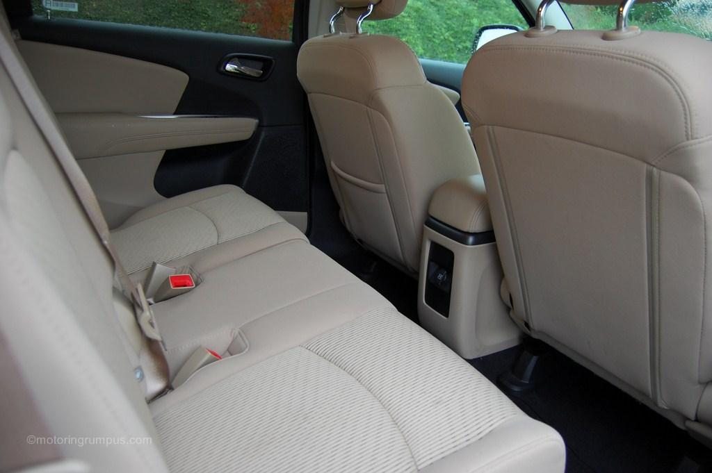 2012 Dodge Journey Second-Row Seats