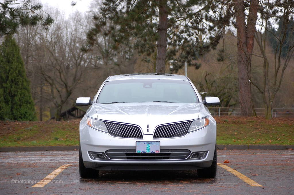 2013 Lincoln MKS Front