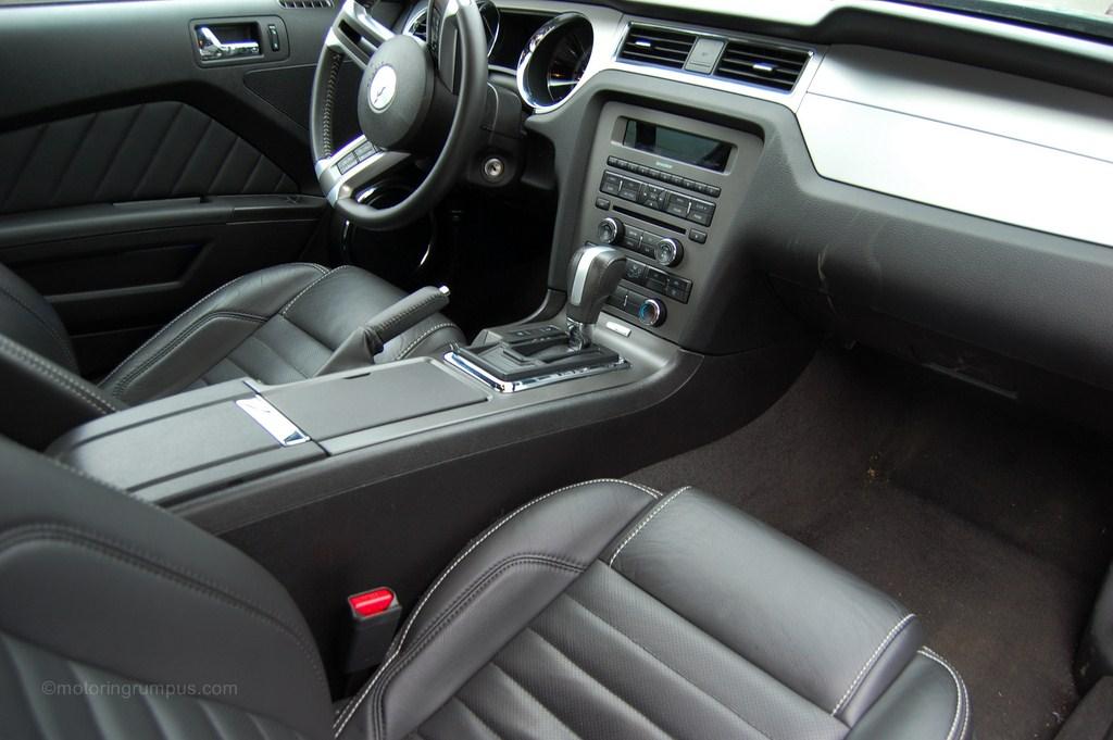 2013 Ford Mustang V6 Interior